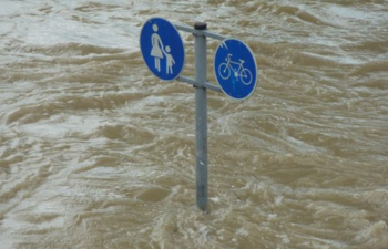 【8/22】ビットコイン10万円下落!中国の洪水が要因との指摘も